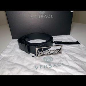 Authentic Versace 90s logo belt size 105 115 120